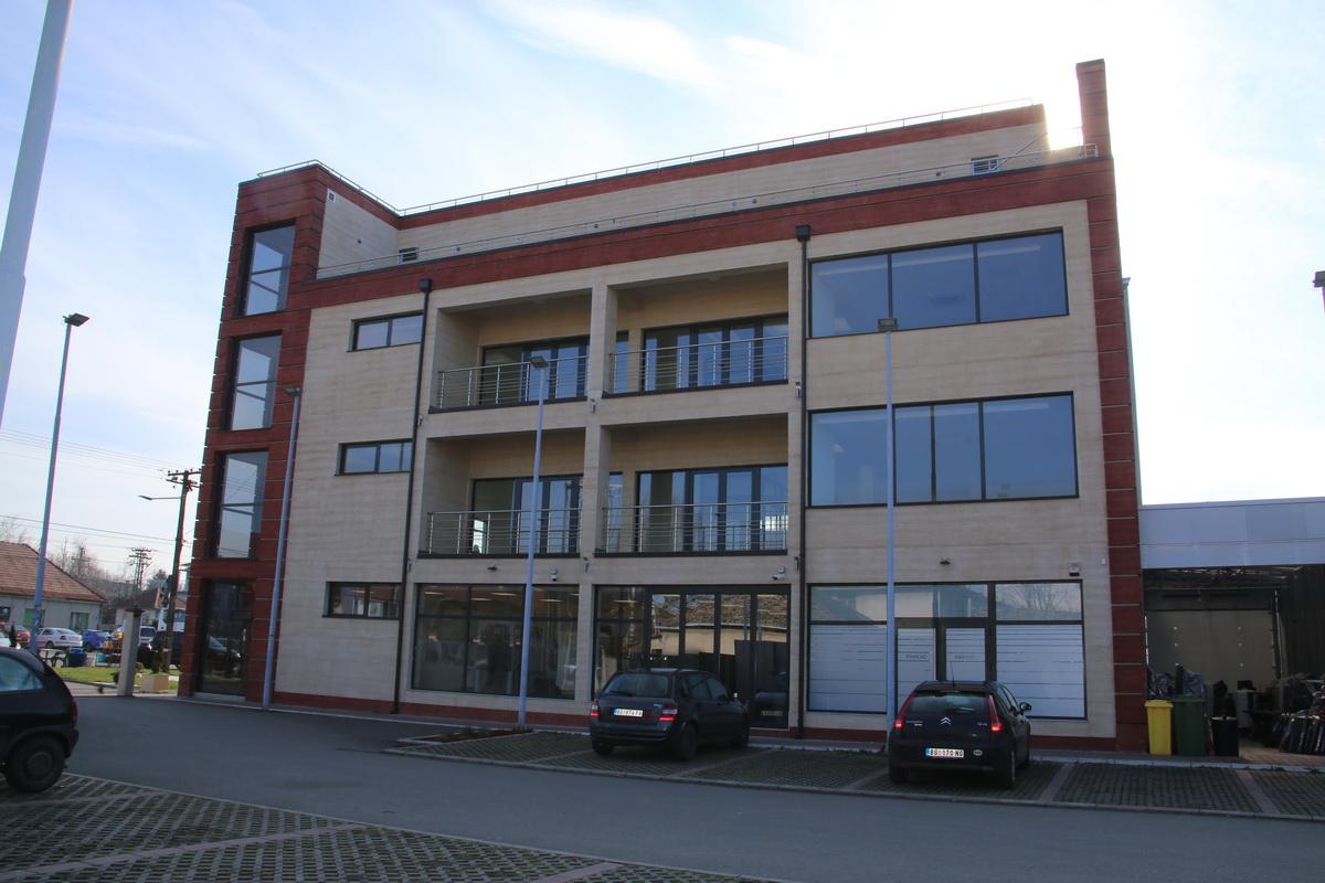 Poslovni prostor - Nova Pazova