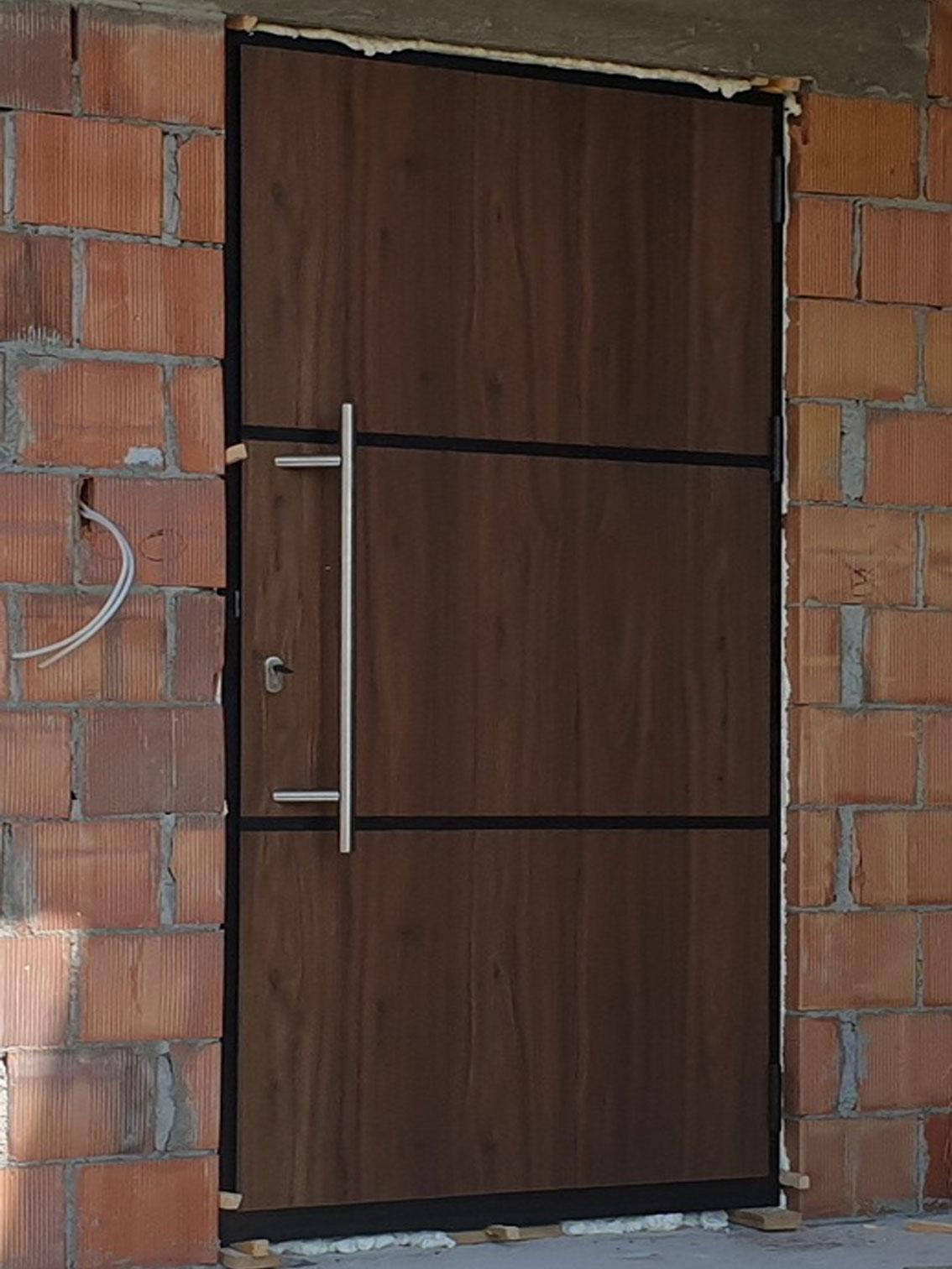 Ekskluziv Alu ulazna vrata 13