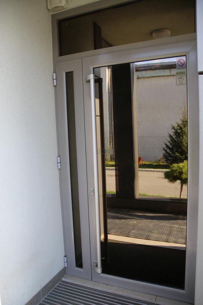 Alu ulazna vrata 7